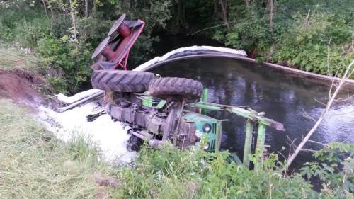 04.06.2015 Traktor in Bach